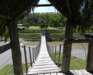 Pèrgola y puente colgante