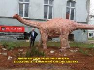DINOSAURIO-MUSEO-NACIONAL-HISTORIA-NATURAL
